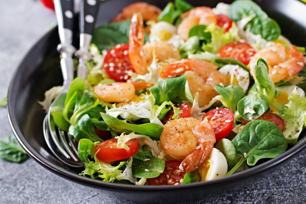 salata fructe de mare legume